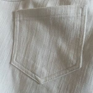 Simply Vera Vera wang white denim capris. New m